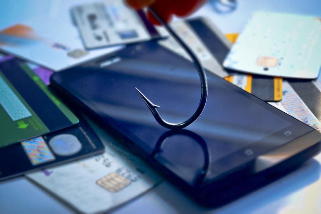 mobile-phishing-1024x682